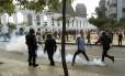 Tumulto entre PM e manifestantes na manifestação contra a Copa e pela educação em greve