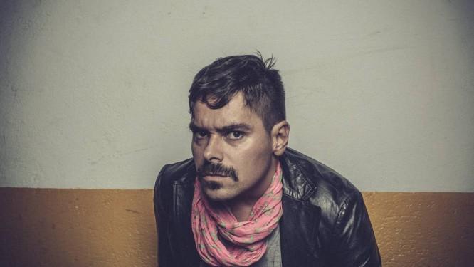 """Sexo e agressividade. Jonas Sá mostra as músicas de """"Blam! Blam!"""", seu segundo CD, que será lançado em julho Foto: Divulgação/ Jorge Bispo"""