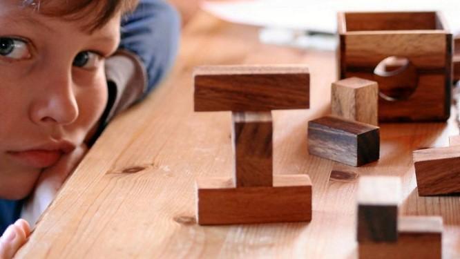 No teste do MIT, os pequenos analisaram brinquedos em busca de atrativos que poderiam estar 'ocultos' Foto: Stock Photos