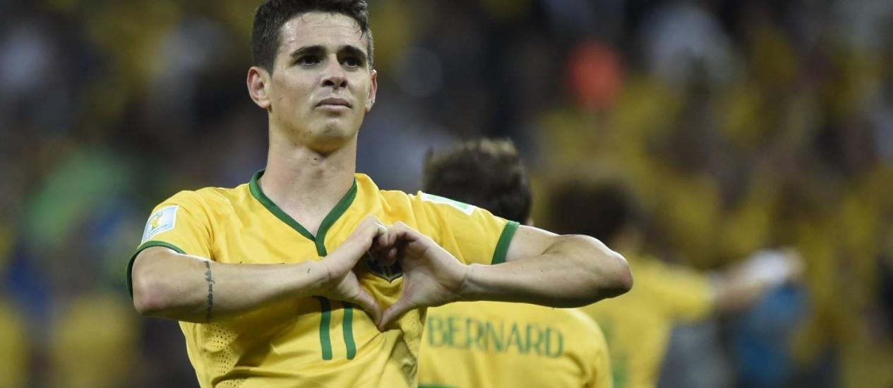 Oscar foi um dos destaques da estreia contra a Croácia, e marcou o terceiro gol da vitória brasileira Foto: ODD ANDERSEN / AFP
