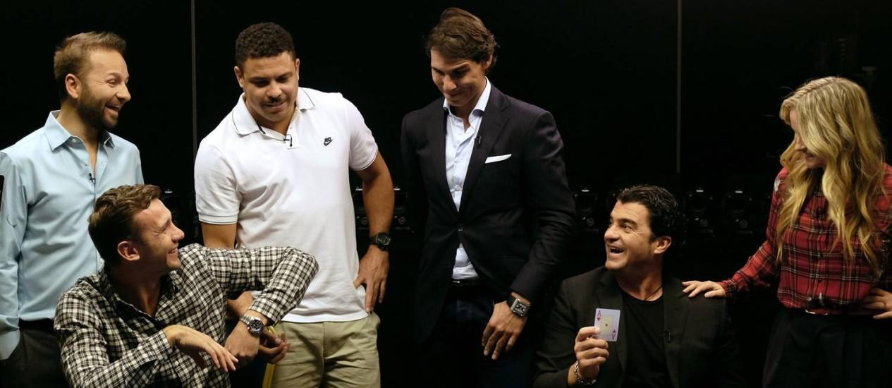 Jogatina: Ronaldo e Nadal observam o jogo de pôquer Foto: DAVID W CERNY / REUTERS
