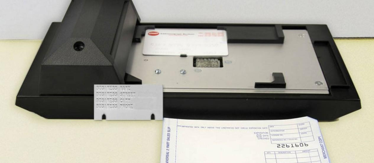 Papel e carbono para evitar ataques cibernéticos contra o sistema de pagamento da rede Foto: Reprodução