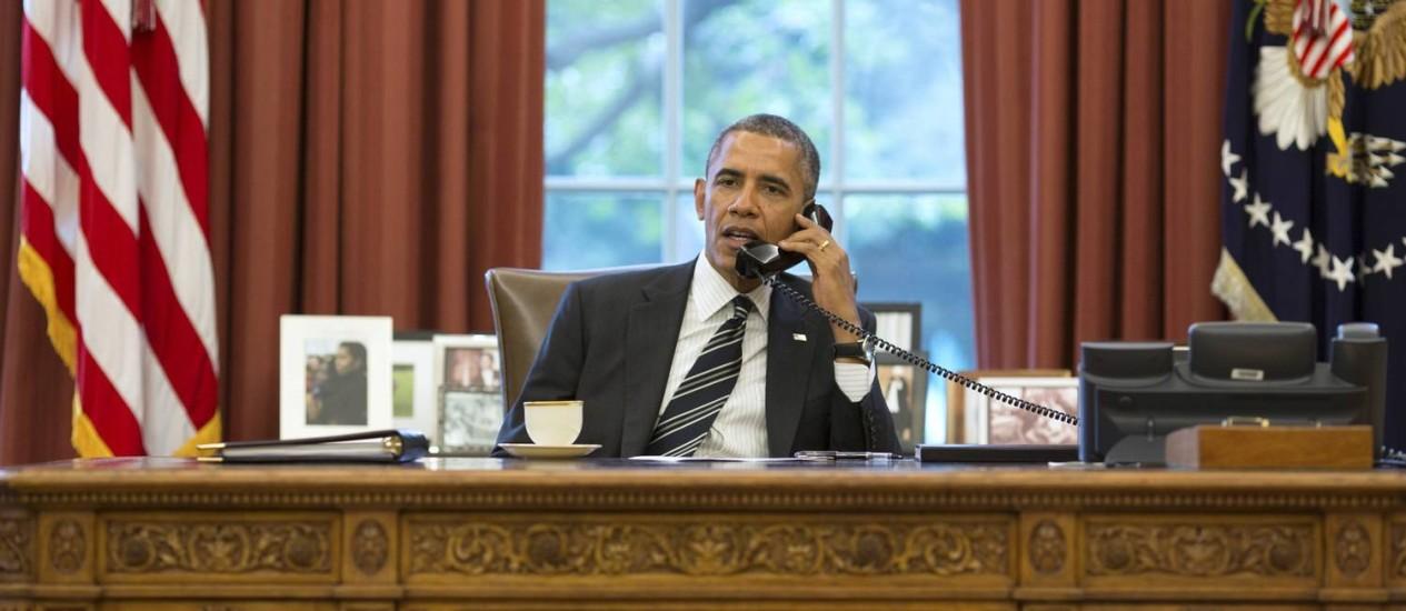Barack Obama durante conversa telefônica com Hassan Rouhani, em setembro Foto: REUTERS-27-9-2013