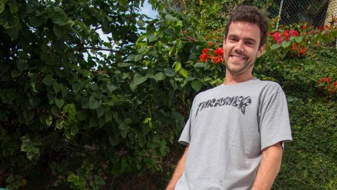 João Gomez na pista de skate que tem em sua casa no Itanhangá Foto: Divulgação/Kiko Cabral