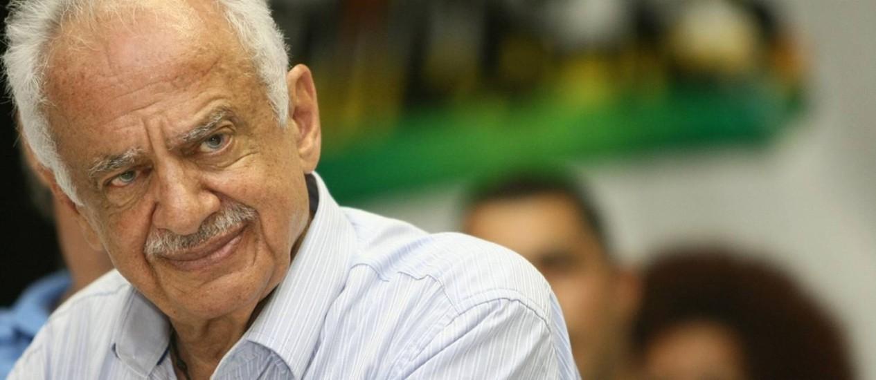 Prestes a completar 85 anos de vida, o senador Pedro Simon (PMDB-RS) anunciou sua aposentadoria após seis décadas e meia de política e quatro mandatos consecutivos no Senado Foto: Divulgação