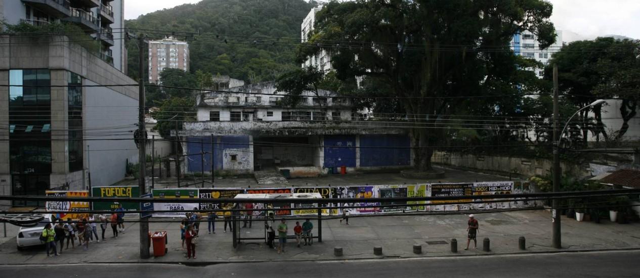 O imóvel na Rua Marquês de São Vicente onde, segundo o projeto aprovado na Câmara dos Vereadores, será criado um parque na Gávea: a proposta agora depende da sanção do prefeito Eduardo Paes Foto: Luiz Morier / Agência O Globo