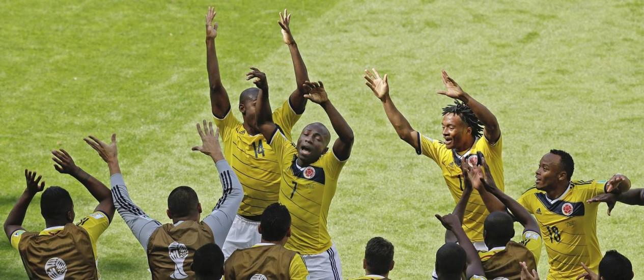 Armero dança após marcar o primeiro gol da Colômbia sobre a Grécia Foto: Andrew Medichini / AP