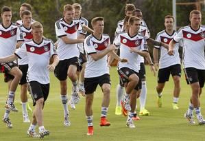 Seleção alemã em atividade no Centro de Treinamento Porto Seguro Foto: ARND WIEGMANN / REUTERS
