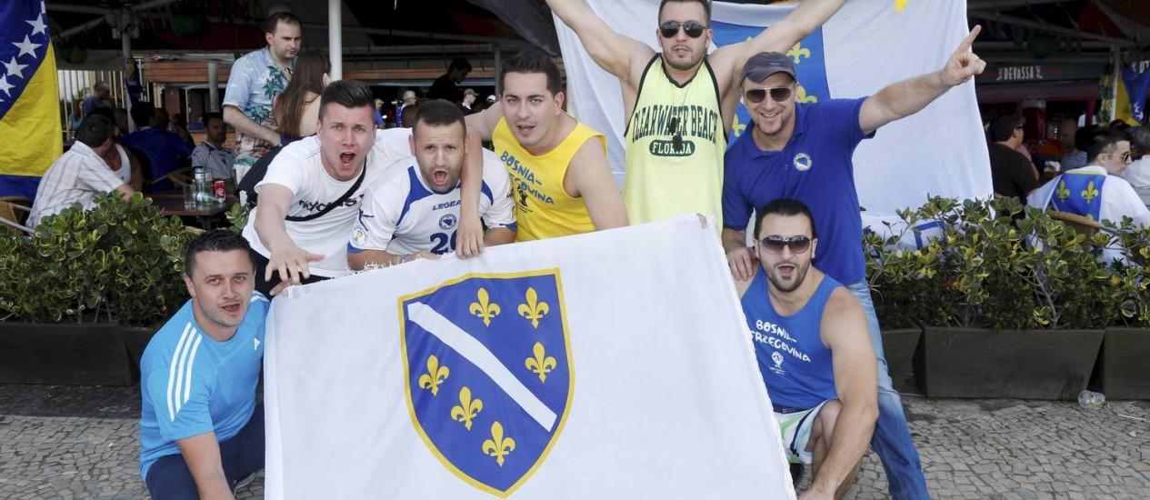 Bar em Copacabana ganha decoração e bandeira da Bósnia Foto: Camilla Maia / Agência O Globo