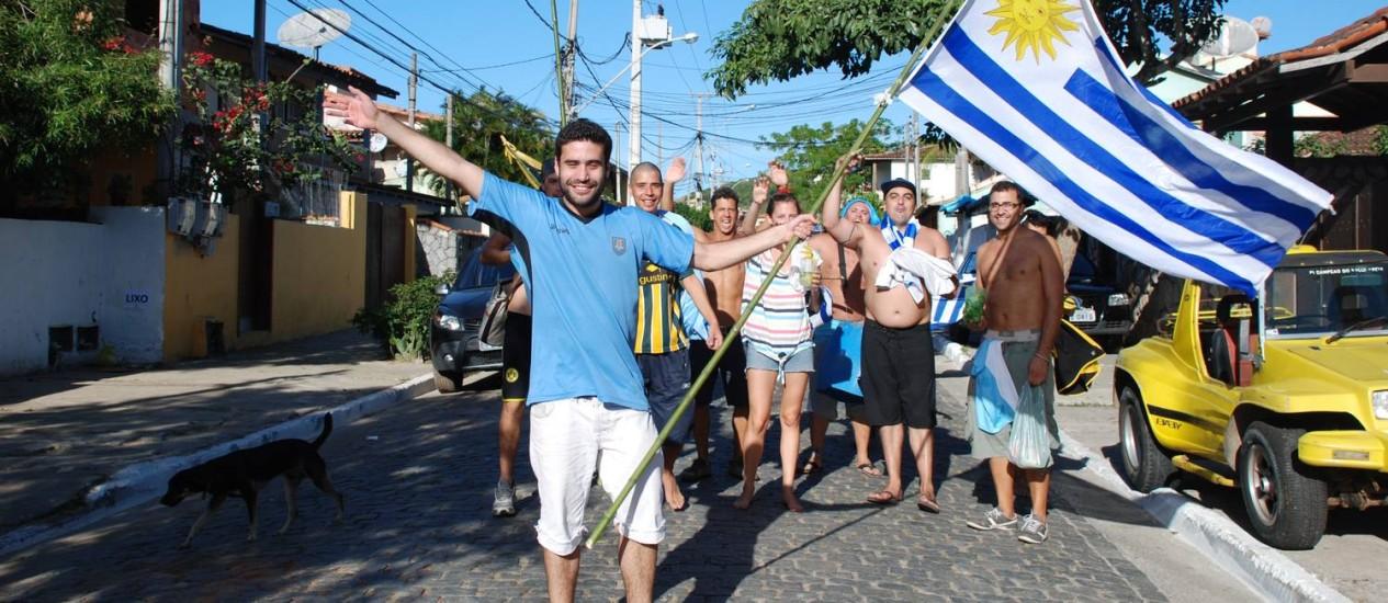 Argentinos se concentram para torcer nas ruas de Búzios Foto: Gustavo Medeiros