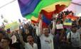 Partidários de Juan Manuel Santos comemoram vitória nas eleições presidenciais em Bogotá