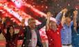 A convenção estadual do PT homologou o ex-ministro Alexandre Padilha como candidato ao governo do Estado. Lula e o senador Eduardo Suplicy (de azul) compareceram ao evento