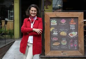 Tudo liberado. Para Sophie Deram, somos onívoros e precisamos de um pouco de cada coisa, até de fast-food Foto: Marcos Alves