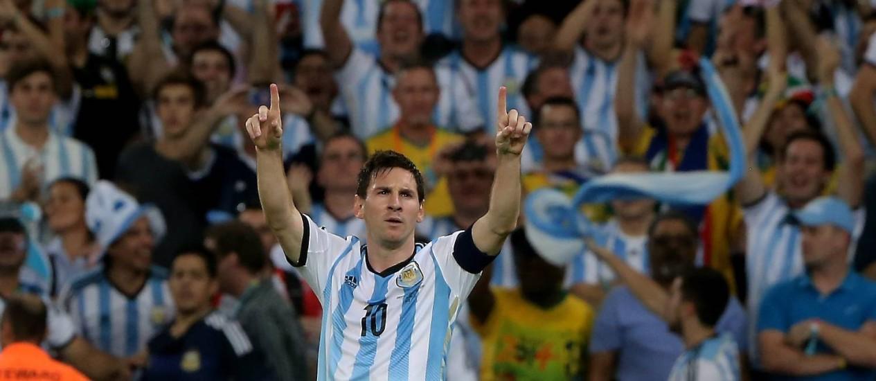 Messi comemora o seu gol, o segundo da Argentina Foto: Guilherme Pinto / Agência O Globo