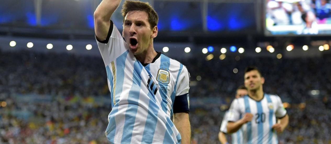 ...a lista tem também o camisa 10 argentino, Lionel Messi... Foto: JUAN MABROMATA / AFP