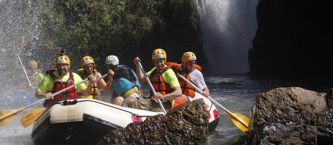 Australianos fazem rafting Foto: Centro Oeste Rafting Expedições / Junynho Gomes