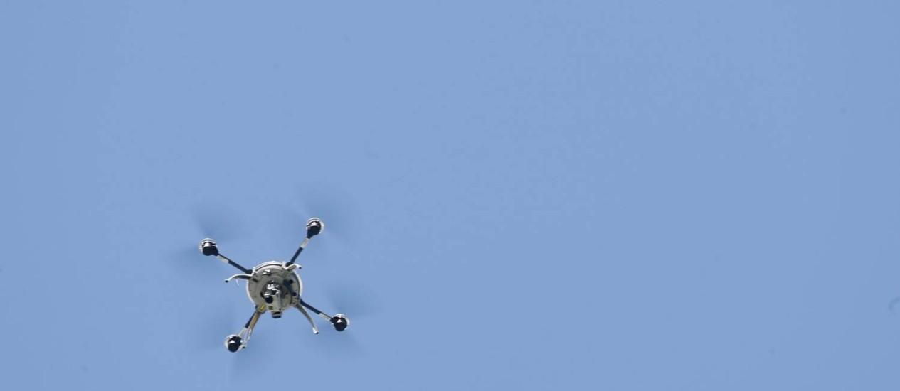 Drone sobrevoa os céus no Canadá Foto: CHRISTINNE MUSCHI / REUTERS
