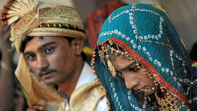 Casamento no Paquistão: país está entre os que mais 'importam' noivas para matrimônios forçados; jovens são acusadas de se tornar 'ocidentalizadas' caso não encontrem suas famílias Foto: RIZWAN TABASSUM/AFP