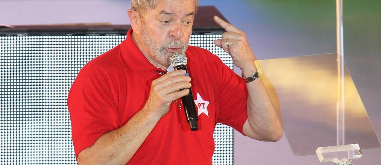 Lula na conveção do PT, no último domingo: nesta segunda, em jantar, ex-presidente teria demonstrado preocupação com quadro de rejeição a Dilma Foto: Marcos Alves/15/06/2014 / Agência O Globo