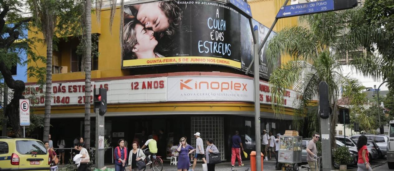 Fachada do Cinema Leblon, na esquina da Avenida Ataulfo de Paiva com a Rua Carlos Góis Foto: Márcia Foletto / Agência O Globo