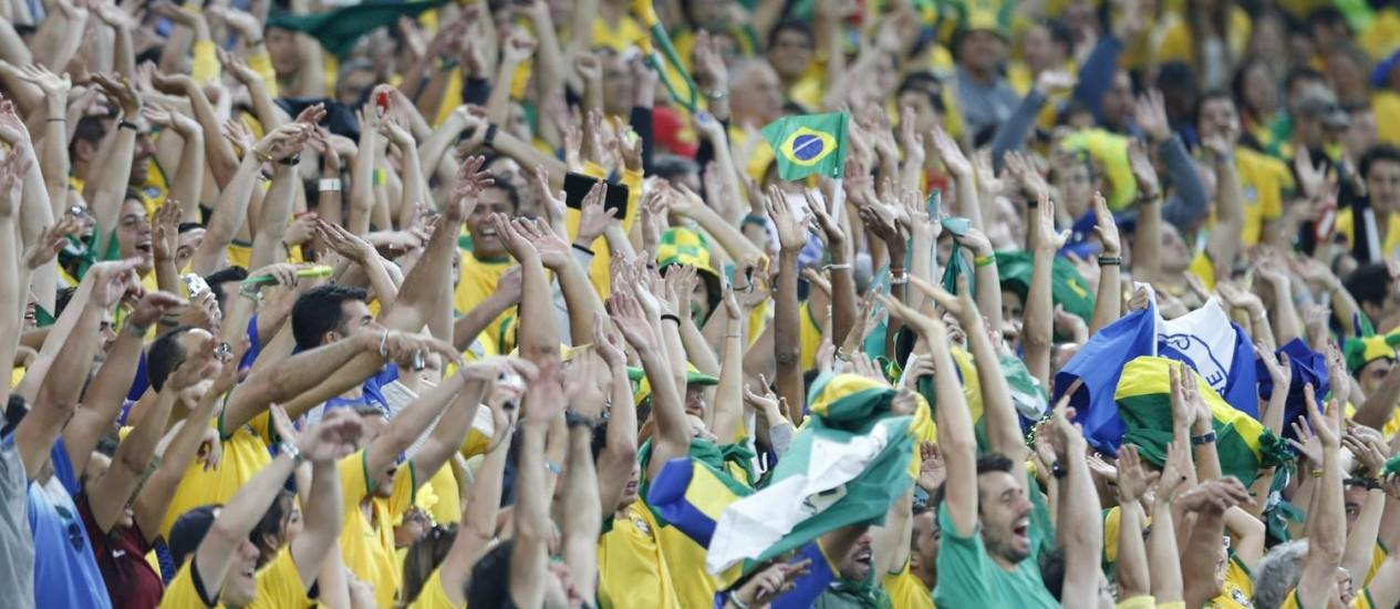 Torcida do Brasil em foto de arquivo Foto: Alexandre Cassiano