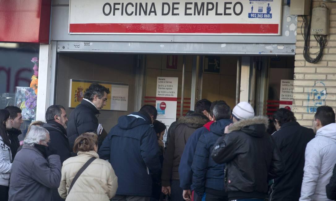 Desemprego foi um dos principais motivos para suicídio Foto: / Paul White / AP