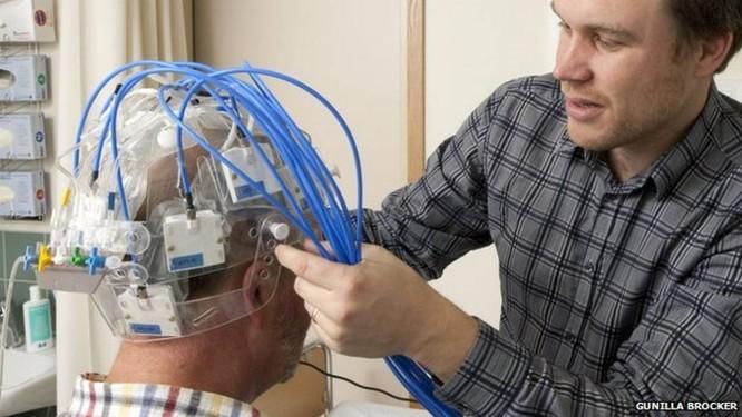 Cada antena do dispositivo é emissora e receptora de sinais Foto: Gunilla Brocker / Reprodução/ Universidade de Tecnologia de Chalmers