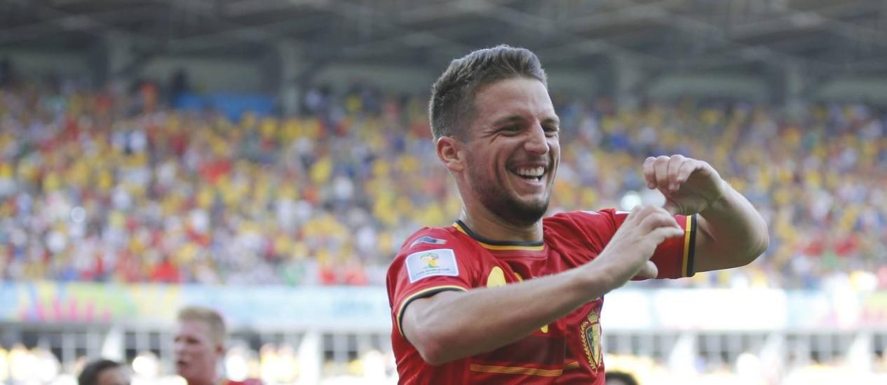 Mertens comemora o segundo gol da Bélgica Foto: Sergio Perez / Reuters
