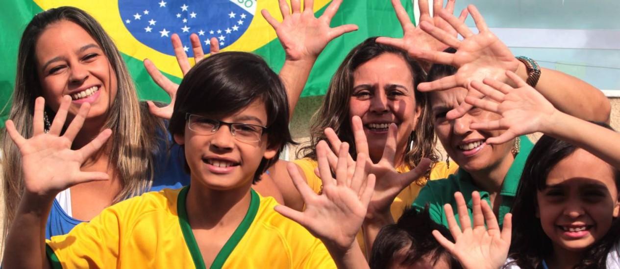 Na torcida pelo hexa: mutação genética virou brincadeira de família em Brasília Foto: Givaldo Barbosa / Agência O Globo