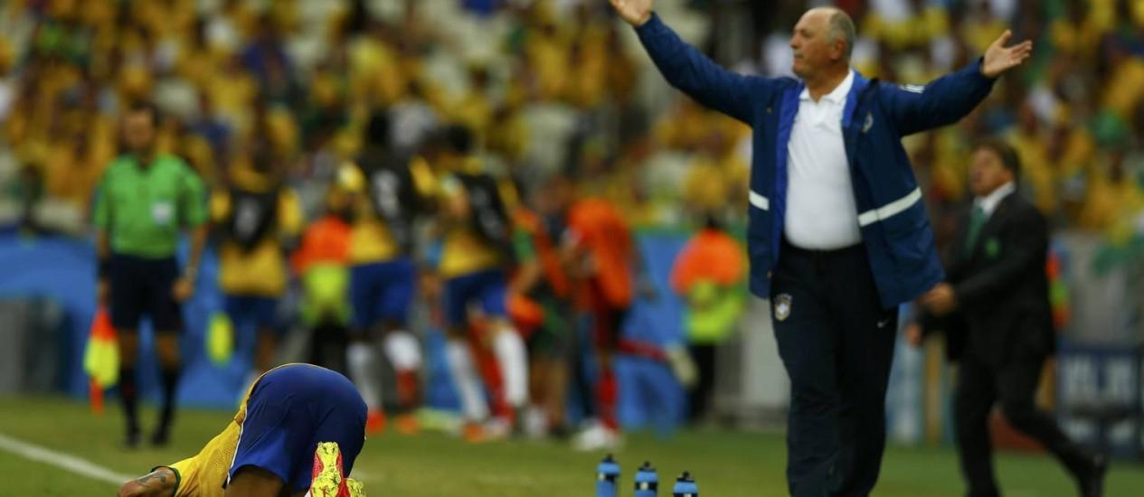 Luiz Felipe Scolari reclama de falta sobre Neymar Foto: MARCELO DEL POZO / REUTERS