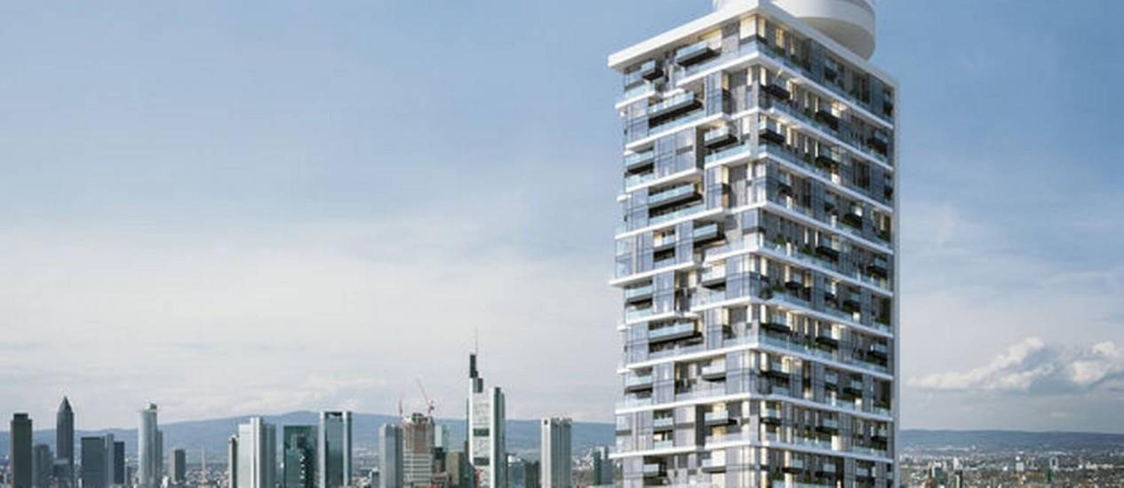 """A """"Henninger Turm"""" é uma das sete torres residenciais que estão sendo erguidas em Frankfurt Foto: Bloomberg"""