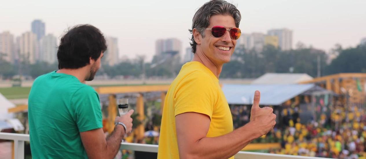 Reynaldo Gianechinni assiste ao jogo Brasil na Casa O GLOBO Foto: Marco Sobral