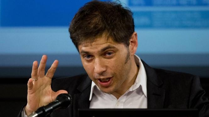 Axel Kicillof explica a jornalistas a situação da Argentina após a decisão da Suprema Corte dos EUA Foto: Eduardo Di Baia/AP