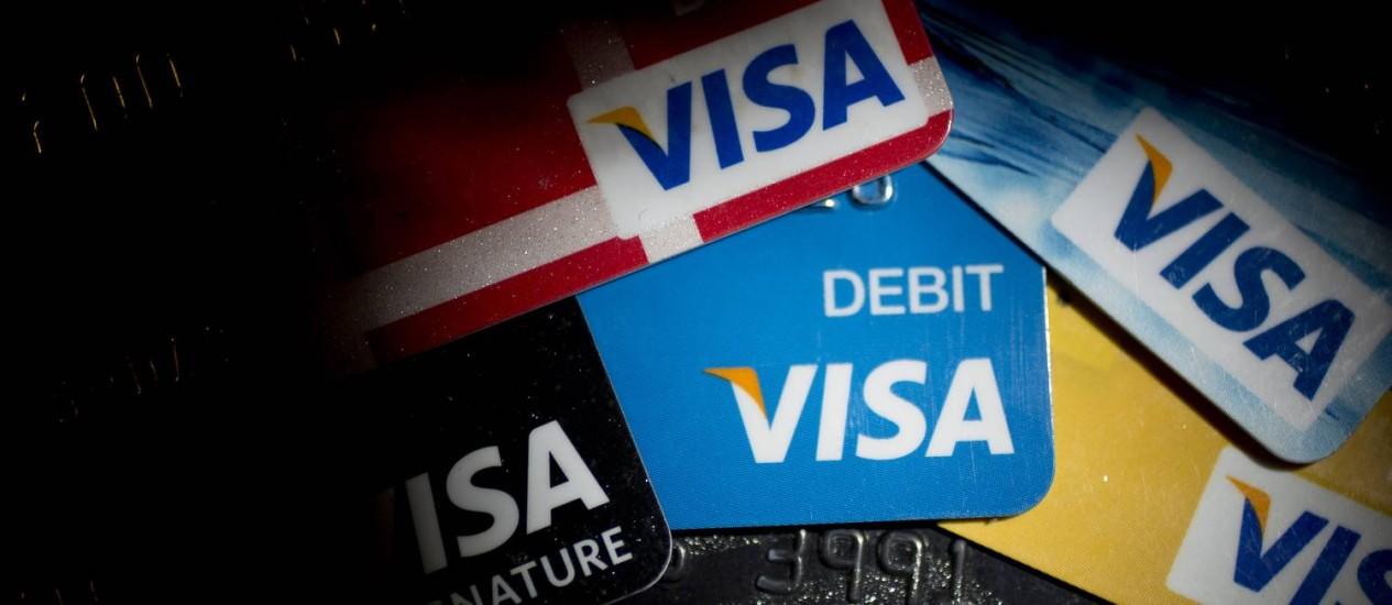 Vídeos com informações de cartões roubados aparecem ao lado de publicidade paga Foto: Andrew Harrer / Bloomberg