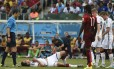O zagueiro Mats Hummels se machucou na estreia, contra Portugal