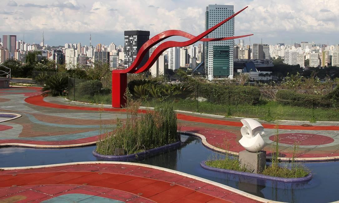 Em sua mansão no Morumbi, Edemar mantinha várias obras de arte Foto: Michel Filho/27-1-2011