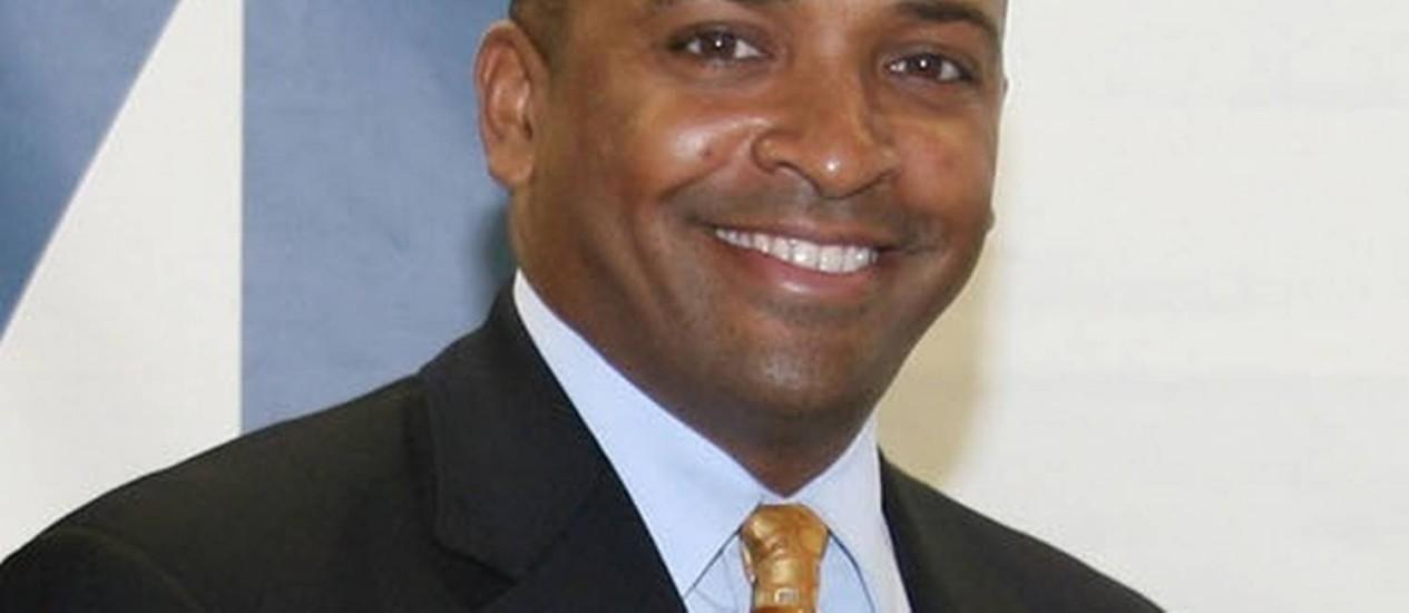 Darrin Gayles, primeiro gay negro a ocupar a cadeira de juiz federal da Flórida Foto: Reprodução