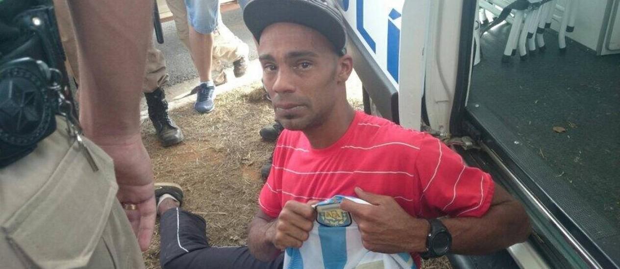 Dênis só queria um autógrafo de Messi Foto: Eduardo Zobaran