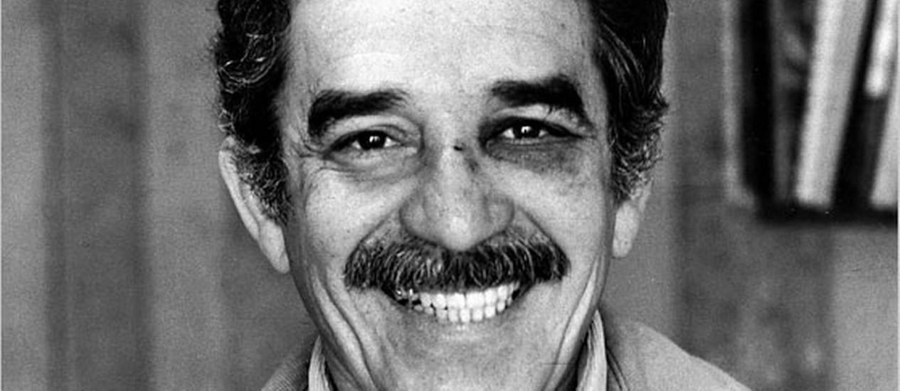 Gabriel García Márquez com o olho roxo depois de levar soco de Mario Vargas Llosa, em 1976 Foto: Reprodução