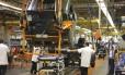 Linha de montagem de indústria automobilística