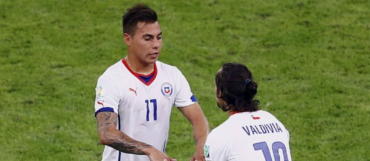 Valdivia entrou no lugar de Vargas aos 38 do segundo tempo Foto: RICARDO MORAES / REUTERS