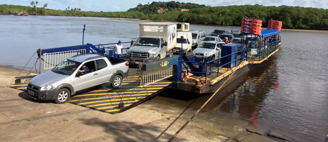 Desembarque da balsa em Santo André, como faz a Alemanha Foto: Gian Amato / O Globo