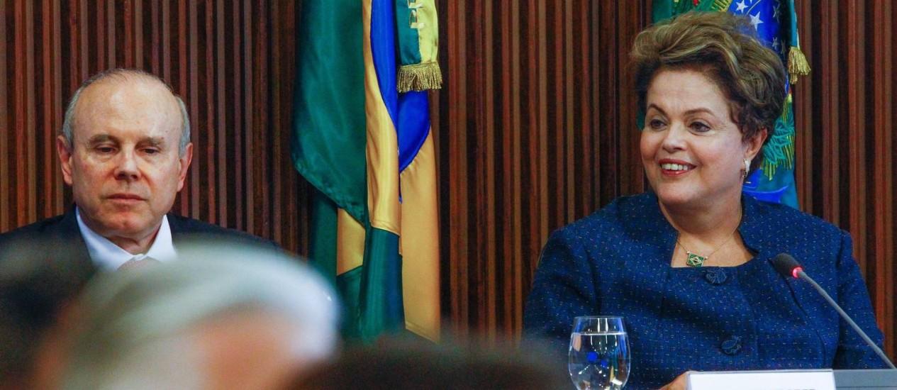 Presidente Dilma participa do Fórum Nacional da Indústria no Palácio do Planalto Foto: ANDRE COELHO/Agencia O Globo / Agência O Globo