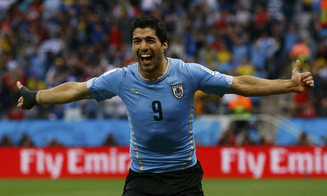 O uruguaio Suárez também tem dois gols, marcados contra a Inglaterra DAMIR SAGOLJ / REUTERS