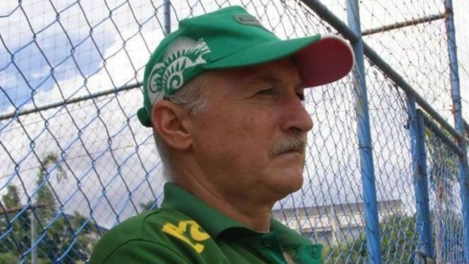 Colunista do GLOBO confunde sósia com Felipão - Jornal O Globo 3cd07e345794a
