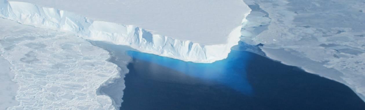 Derretimento do gelo no Ártico provoca alterações drásticas em atlas da National Geographic Foto: AFP