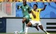 Yayá Touré na partida contra a Colômbia. O irmão mais novo dele morreu nesta quinta-feira, horas depois da partida