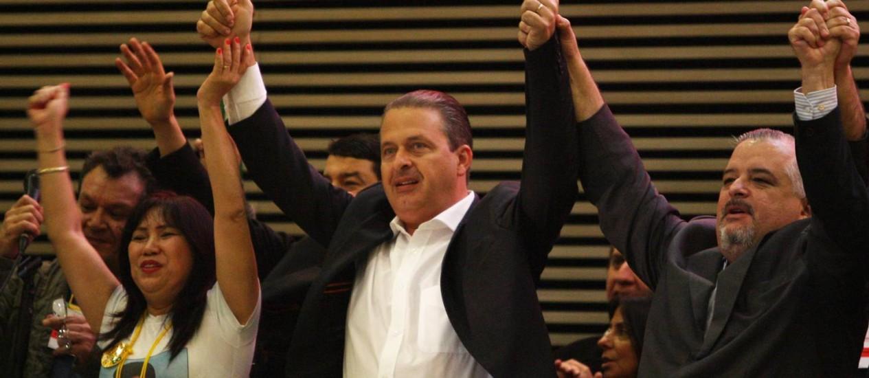 Eduardo Campos, participa do 10° Congresso Estadual do PSB em São Paulo ao lado de Márcio França, cotado para ser vice de Alckmin Foto: Michel Filho / Agência O Globo