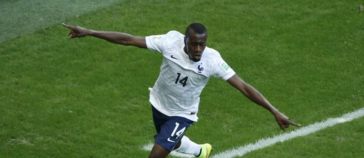 Matuidi fez o segundo gol francês Foto: FABRIZIO BENSCH / REUTERS