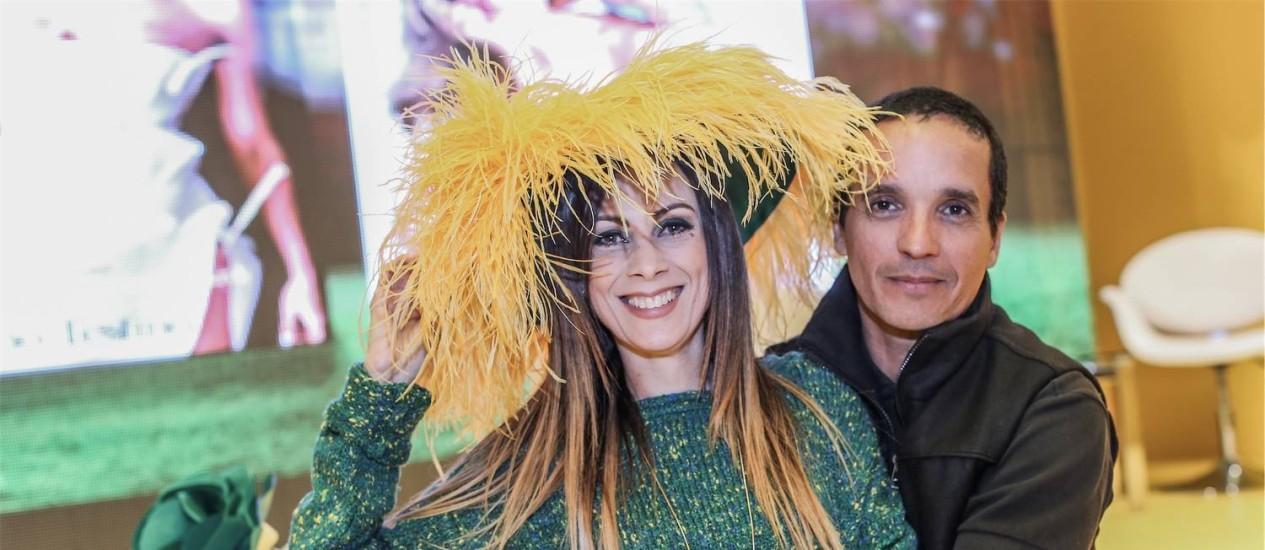 Paula Acioli e Denis Linhares: debate sobre moda e futebol na Casa O GLOBO Foto: Marco Sobral / Divulgação